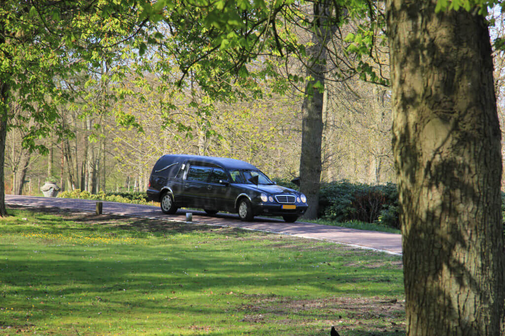Funeral Cars: Everything you need to know - Funeral Costs Help